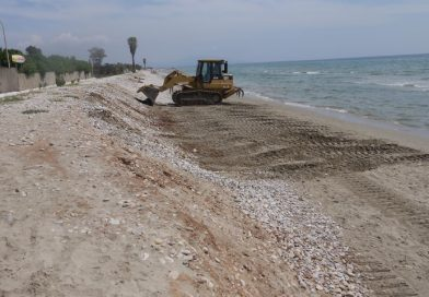 Oropesa del Mar ya prepara sus playas para la llegada de los turistas
