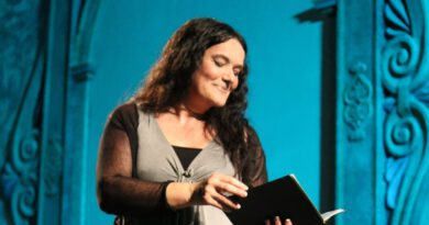 Mara Aranda celebra 30 anys sobre l'escenari amb una actuació a Orpesa