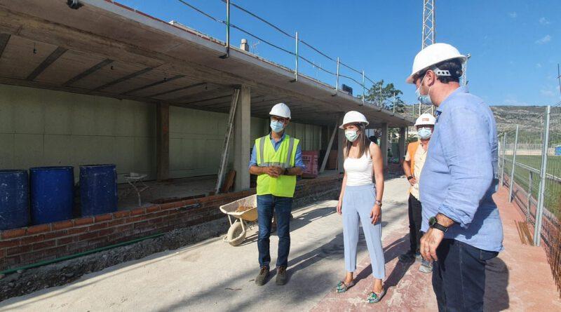 Oropesa avanza las tareas de remodelación del campo de fútbol
